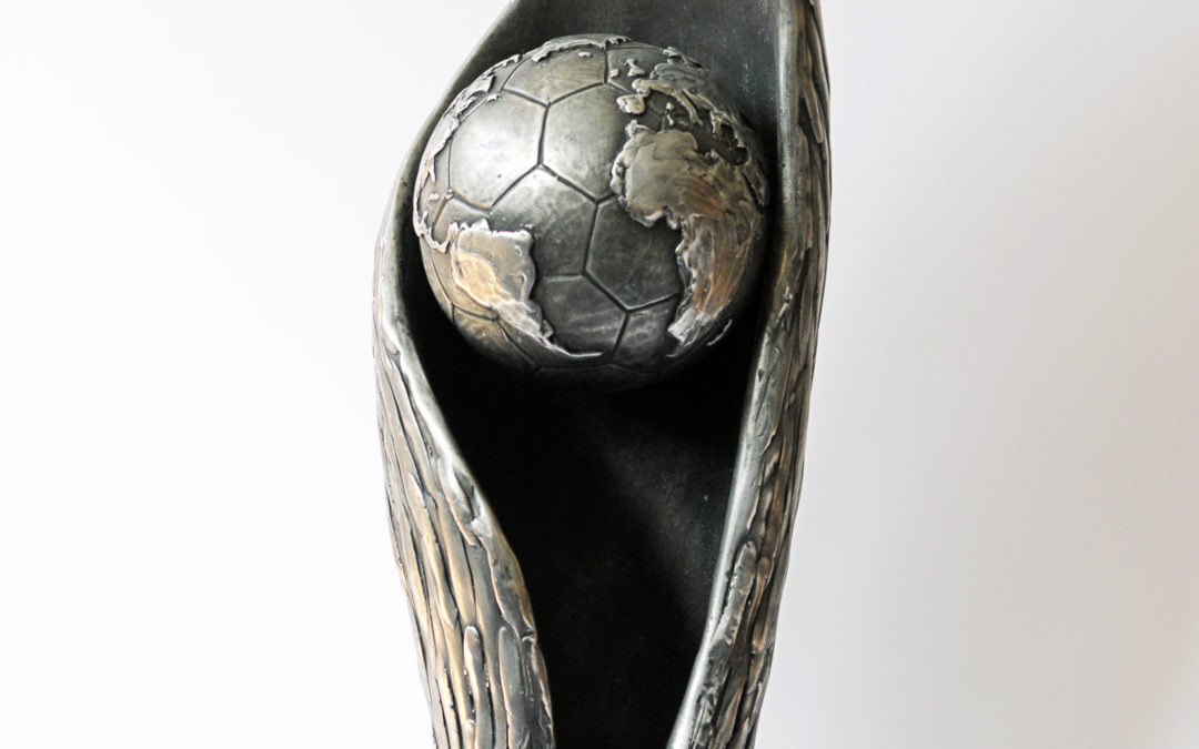 World Cup 2011: FIPFA presents the trophy, the official logo and poster!